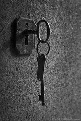 The key to eternal rest (P-h-o-e-n-i-x) Tags: blackandwhite bw monochrome cemetery brooklyn nikon greenwood mausoleum durant openhouse ohny d80 durantfamily