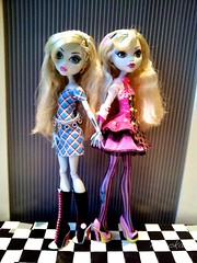 Sisters, Blue and Pink (myookat) Tags: blue monster one 1 high doll classroom wave science mad mh basic lagoona