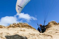 IMG_9190 (Laurent Merle) Tags: beach fly outdoor dune cte vol paragliding soaring ozone plage parapente atlantique ocan glisse littlecloud spiruline