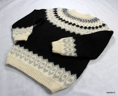 Icelandic jumper sweater (Mytwist) Tags: heritage classic mill wool fetish iceland cozy sweater knitting edinburgh hand fuzzy knit handknit craft style retro jumper 100 handcraft chunky woollen lopi crewneck handknitted pulli peysa itchie lettlopi alafosslopi alafoss vankits12 bestdesigners4every1