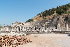 Ephesos - Odeion (CocoChantre) Tags: theater ruine trkei bauwerk tr izmir odeion ephesos sule ausgrabung schutt acarlarky