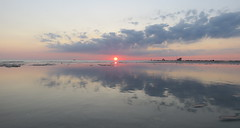 IMG_0029y (gzammarchi) Tags: italia mare nuvola alba natura sole paesaggio ravenna riflesso lidodidante