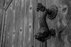 Picaportes de antao / The old school (irispuag) Tags: door old white black blanco mar puerta negro porta catalunya viejo blanc antao antiguo negre tossa picaporte