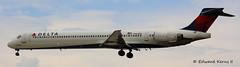 N954DN (Edward Kerns II) Tags: flight deltaairlines md90 2325 kbwi n954dn