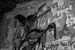 Trust me (dioptrie79) Tags: berlin weisensee nikon d5300 bw stairway treppe old alt abandoned places verlassen kinderklinikum schwarzweis streetart