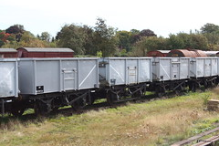20150923 053 GCR Swithland. BR 16T Mineral MCO MCV B279724, B279713 (B571304), B64020 (B279720) (15038) Tags: wagon br trains goods railways freight britishrail mco swithland mcv greatcentralrailway lner gcr 64020 16tmineral steelopen 279724 279713 279720 571304