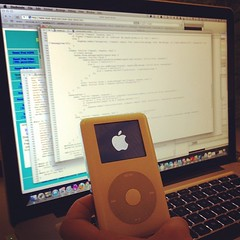 Building a badass iOS app with @ljharb #shdh (diklein) Tags: square ipod squareformat rise ios ipodphoto iphoneography instagramapp uploaded:by=instagram foursquare:venue=4bc0e01a920eb7139bc0192c