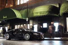 Stop & Stare. (Alex Penfold) Tags: auto camera b black london cars alex sports wet car rain sport mobile night canon photography eos photo cool flickr shot image awesome flash picture super spot harrods knightsbridge exotic photograph 164 spotted hyper 51 bugatti coupe supercar spotting exotica sportscar 2012 sportscars supercars veyron penfold bs1 spotter b51 hypercar 60d hypercars alexpenfold