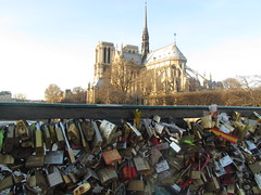 (VitoriaOliveira) Tags: paris lock notredamme cadeados pontdelarchevch pontedoscadeados