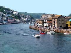 Looe Cornwall (saxonfenken) Tags: houses river boat cornwall jetty quay waterside looe 8033 pregamewinner 8033river