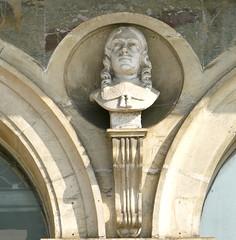 Rochefort, Charente-Maritime: espace nature, place Colbert (Marie-Hlne Cingal) Tags: sculpture france southwest statue 17 rochefort sudouest charentemaritime poitoucharentes jeanbaptistecolbert