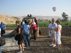 A balloon flight over the West Bank of Luxor, Egypt in September 2010 (49) (@CyprusPictures) Tags: westbank egypt hotairballoon luxor hotairballoons valleyofthekings sailingboats balloonflight hatshepsutstemple fellucca rivernile egyptiantombs photosofegypt cypruspictures thulbornchapmanphotography