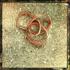 Entangled Infinity (LiesBaas) Tags: inspiration deep denhaag rubber thehague iphone grappig elastiekje iphotography iphonography liesbaas blijvenlachen gevondenopstraat wiesomisfoundonthestreetsbyliesbaas entangledinfinitybyliesbaas roundandrounditgoeswhereitstopsnobodyknows