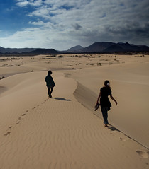 A walk on the dunes (Stephen Laverack) Tags: spain sand dunes fuerteventura canaries