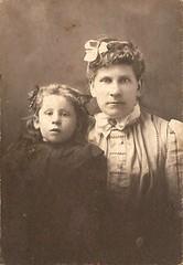Janie and Nora Thomas (Addie-B) Tags: portrait woman girl vintage photo kid child thomas daughter mother nora parent photograph janie 1900s pixture
