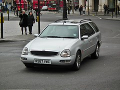 Scorpio Estate (kenjonbro) Tags: uk london ford silver estate trafalgarsquare scorpio granada 1997 ultima 16v 2300cc 23l kenjonbro fujihs10 r567vwc