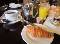 BEAR DRIBBLES HIS HOT CHOCOLATE (Paris Breakfast) Tags: de la cafe petit paix dejeuner