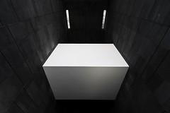 White cuboid - MUMOK Museum Moderne Kunst Wien, Vienna (Gerhard R.) Tags: vienna wien museum architecture arquitectura architektur modernarchitecture mumok modernearchitektur museummodernekunst