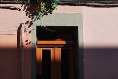 Madrid ///// calle Conde Duque (.nrq.) Tags: madrid street door shadow color facade calle puerta sombra ombre conde porte rue fachada schatten tr faade 2012 duque