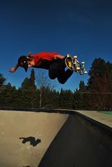 Frank Shaw B/S Air (SlashGrinder) Tags: skateboarding frankshaw backsideair bowlskating oregonskateboarding medfordskatepark jacksboardhouse vagrantskateboards