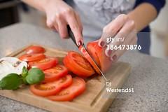 186473876 (quintaagrafico) Tags: closeup adolescente preparazione freschezza caucasico soltantounapersona composizioneorizzontale