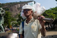 """""""Trabalho doce..."""" Praia Vermelha, Rio de Janeiro (VECTORINO) Tags: leica brazil hot brasil riodejaneiro digital streetphotography tropical rua brasileiro vectorino lazarev eicam262"""