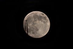 Lune Gibbeuse croissante du 20 mai 2016 - 23h07 (Didier Auberget) Tags: moon lune plane telescope astrophotography transit astronomy avion astronomie astrophotographie tlescope canoneos500d