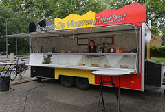 belgian french fries (Elly Snel) Tags: mobile frenchfries mobiel foodvendor patat vlaams frietkraam ansh scavenger8