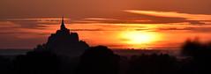 Golden sunset (Phil.Claboter) Tags: sunset orange sun saint jaune sunrise golden soleil nikon coucher d750 normandie michel mont lever 28300 80400