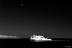 White star (.KiLTRo.) Tags: wellington newzealand kiltro sea ocean ferry aircraft airplane sky
