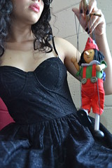 Domino (Hermanas Grimm) Tags: red woman verde green mujer rojo puppet ttere