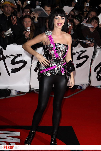 KATY PERRY in leather pants 17
