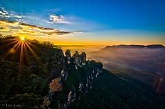 Flares, flares and more flares! (Bluemonkey08) Tags: sunrise australia bluemountains nsw katoomba echopoint ericlam tokina1116mmf28atxpro bluemonkey08 nikond7000