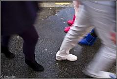 Rencontre tricolore (Gongashan) Tags: paris france olympus chaussures passants   trottoirs tricolores xz1