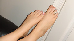 (Tellerite) Tags: feet toes barefeet pedicure beautifulfeet prettytoes toenailpolish sweetfeet prettyfeet sexyfeet girlsfeet femalefeet teenfeet femaletoes candidfeet beautifultoes baretoes girlstoes sweettoes teentoes girlsbarefoot youngfemalefeet candidtoes youngfemaletoes gilrsbarefeet sexyteos