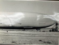 Zeppelin (San Diego Air & Space Museum Archives) Tags: aircraft aviation zeppelin airship hindenburg dirigible lighterthanair luftschiff dzr mooringmast dlz129 lz129 deutschezeppelinreederei luftschiffbauzeppelin deutscheluftschiffahrtsaktiengesellschaft delag zeppelinlz129 lz129hindenburg luftschifflz129