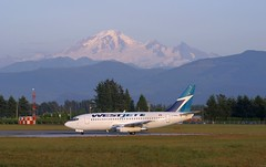 Westjet no better way to fly (aerophoto2) Tags: airlines westjet 737 abbotsford 732 737200 yxx cyxx