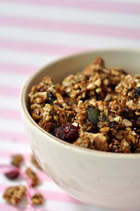 """raw granola • <a style=""""font-size:0.8em;"""" href=""""http://www.flickr.com/photos/78016925@N03/6986983875/"""" target=""""_blank"""">View on Flickr</a>"""