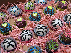 "Animal Print Cake Balls • <a style=""font-size:0.8em;"" href=""http://www.flickr.com/photos/64714706@N05/7058077705/"" target=""_blank"">View on Flickr</a>"
