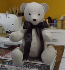 Mais um beb que vai ganhar ursinho. (CANELA COOL by CAROL) Tags: bear patchwork urso