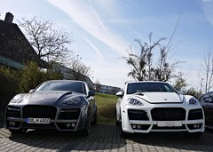 Techart Twins. (Niklas Emmerich Photography) Tags: new two sky 6 white black cars car last germany grey spring factory diesel stuttgart 8 s m cayenne v porsche week bb 4800 hybrid suv tuning supercar v8 leonberg 2012 v6 gts techart magnums worldcars