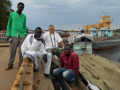 Vincentello au port de Juba (vincentello) Tags: port river south sudan nile nil barge juba sudsoudan vincentello