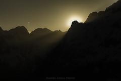 Atardecer en Pirineos (daniel.ateca) Tags: sunset en mountains atardecer ocaso anochecer montaas benasque pirineos splitboard aneto maladetas