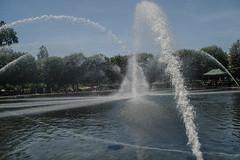 Hirshhorn Museum -6 (Webtraverser) Tags: washingtondc nationalmall waterfountain sculpturegarden nationalgalleryofart d7000