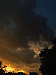 Stormy sunset (Lee Bennett) Tags: sunset sky cloud storm weather