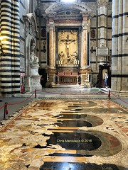 SIENA - IL DUOMO - THE INCREDIBLE FLOOR.  F2244 (Chris Maroulakis) Tags: chris colors floor cathedral mosaic tuscany fujifilm siena duomo x30 2016 barble maroulakis