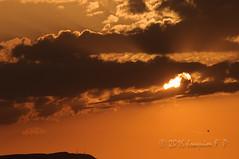 Atardecer (Joaquim F. P.) Tags: atardecer catalua cielo naranja nikon nubes salou sol tarragona rayoscrepusculares nwn serradepradell antenas momentcials summer clouds sunset nikkor lens