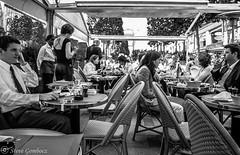 Lunch and a chat in Paris. (steve.gombocz) Tags: street bw paris france coffee blackwhite cafe noiretblanc zwartwit olympus blacknwhite greyscale noirblanc olympusc8080wz whiteblack negroyblanco bwphotos svarthvitt mustavalkoinen negroblanco neroebianco blackwhitephotos schwartzweiss olympuscamera nerobianco sortoghvid olympususers svartochvitt schwartzundweiss svartoghvitt flickrbw czarnyibiaty flickrblackwhitephotos
