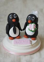 Pinguinbrautpaar (Ssses Atelier) Tags: fimo pinguin torte 2016 brautpaar individuell personalisiert tortenfigur tortendekoration tierbrautpaar sssesatelier pinguinbrautpaar individuelletortenfiguren personalisiertetortenfiguren brautpaartortenfigur pinguintortenfigur