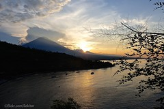 Sunset behind Gunung Agung, Amed, Bali (Sekitar) Tags: sunset sea bali panorama mountain indonesia landscape island asia laut gunung api pulau pemandangan matahari agung amed karangasem terbenam